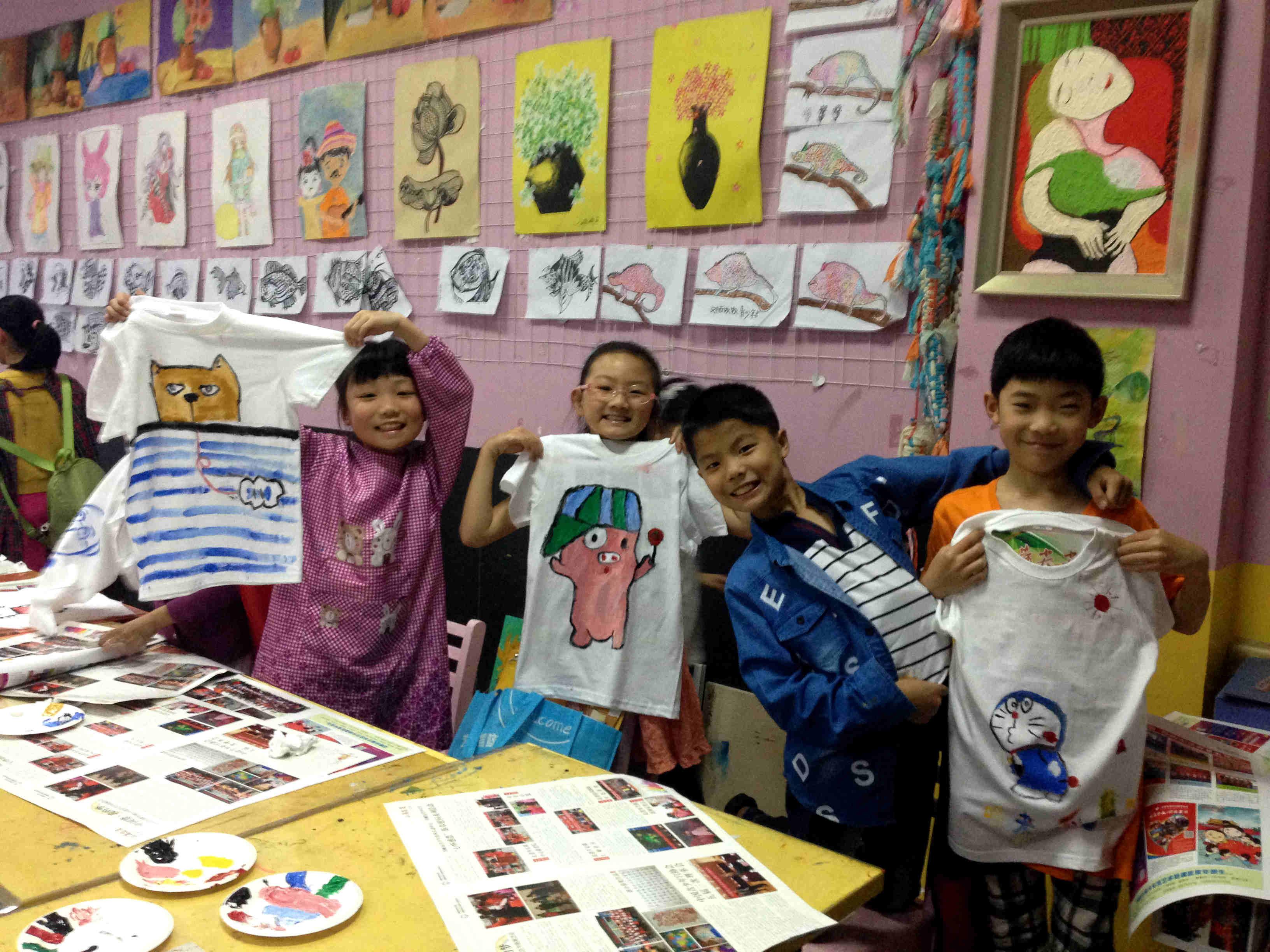 儿童手绘t恤彩虹